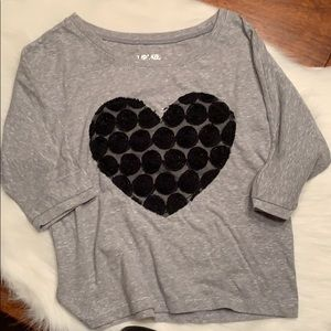 Heart quarters sleeve t-shirt.